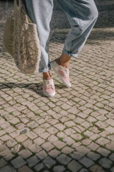 Sneakers after surf pale pink